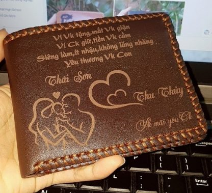personalized-leather-wallet-with-sewing-edge