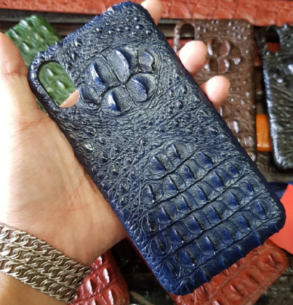 best-protective-alligator-skin-case-for-iPhone-X