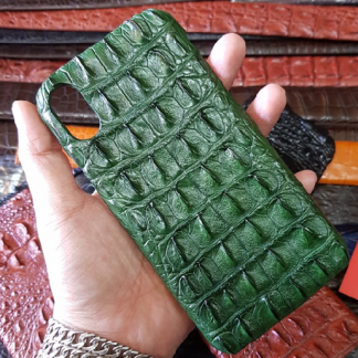 MC-Luxurystore-real-crocodile-case-for-iPhone-X