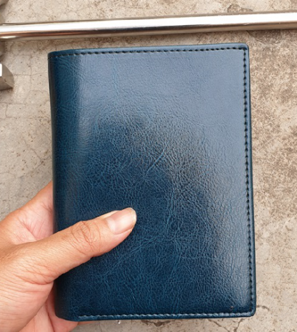 women-leather-card-holder