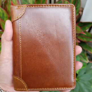 vertical-cow-leather-wallet-for-men