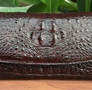 MC-Luxury-store-crocodile-money-clip-wallet-for-women-dark-brown