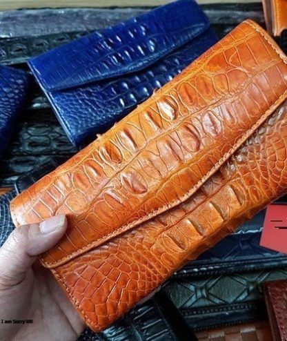 MC-Luxury-store-alligator-skin-purse