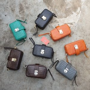 MC-Luxury-store-Women-crocodile-leather-handbag