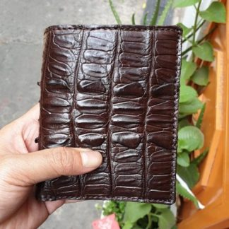 Vertical-Alligator-skin-wallet-for-men